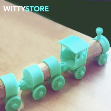 Treno giocattolo con tappi di sughero